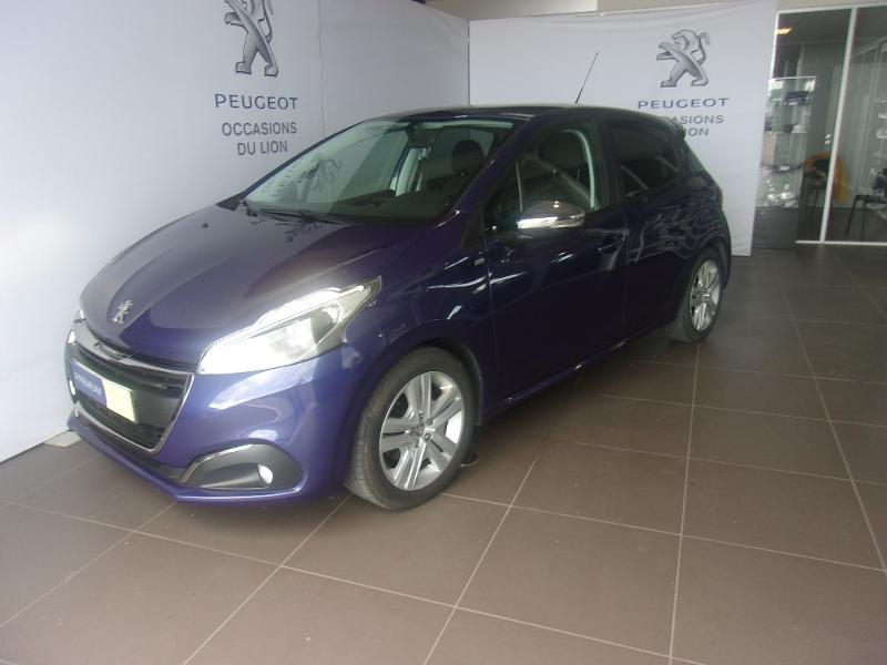 photo de PEUGEOT 208 1.5 BlueHDi 100ch E6.c Signature 5p